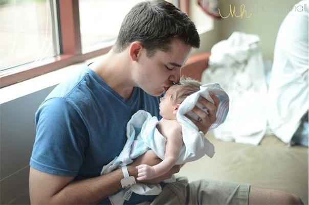 Папы впервые видят своих новорожденных детей... Просто не могу сдержать эмоций: