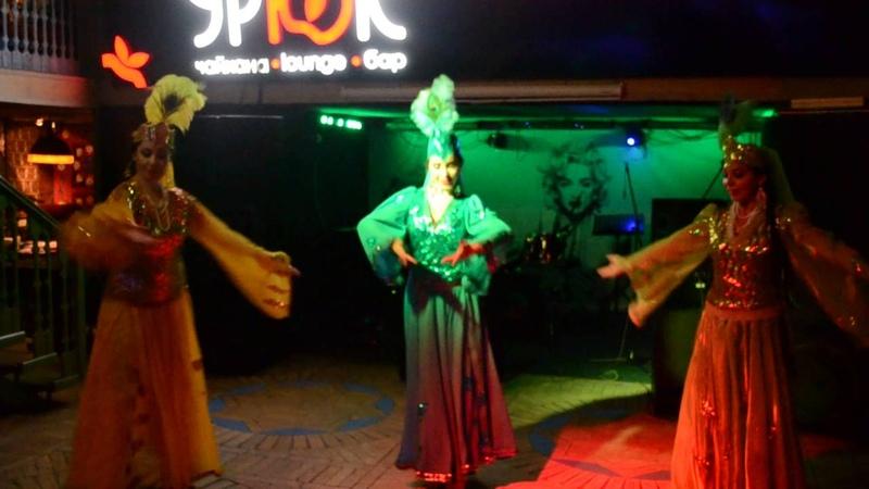 Уйгурский танец, узбекский танец ансамбль Бахор.