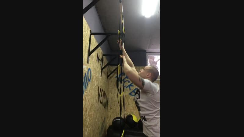 Работа на координационной лестнице от тренеров Apollo MMA GYM.