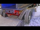 RC HYDRAULIC PRESS TRANSPORT COOL AND STRONG RC VEHICLES IN ACTION MERCEDES 6x6 IN DANGER