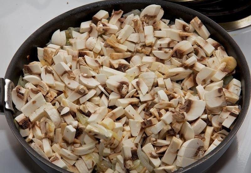 Рулеты из свинины с грибами. Вам потребуется: 600 г
