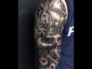 Детальная татуировка
