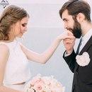 Чем муж и жена меж собой различаются? Жена - это та, что всегда подчиняется, а муж - это тот…