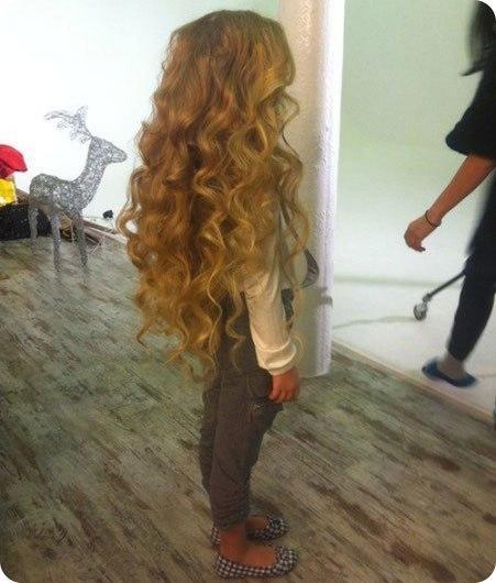 Волосы растут как сумасшедшие!  Секретный рецепт от трихолога (специалист по волосам). Лично у меня волосы выросли примерно на +11 см. за месяц!  Ингредиенты: - 1,5-2 ст. л. кондиционера для волос (или бальзама).