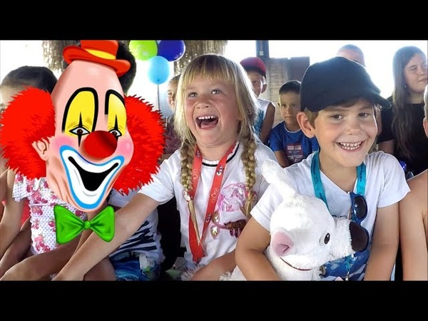 Fun kids' videos | Happy Birthday Party | Funny Clown Show | Ballon Challenge | Gloria verde