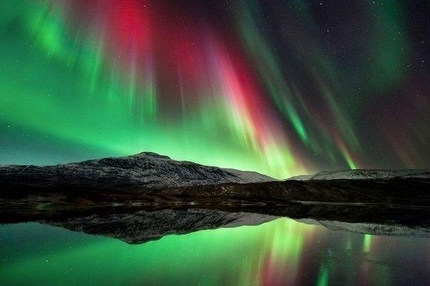 Северное сияние в ночном небе, Норвегия