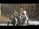130907 CNBLUE - Ending Yonghwa Jungshin threw towel @ BLUE MOON in Guangzhou