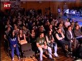 В универсальном игровом зале центральной спортивной арены собрались поклонники боевых смеш