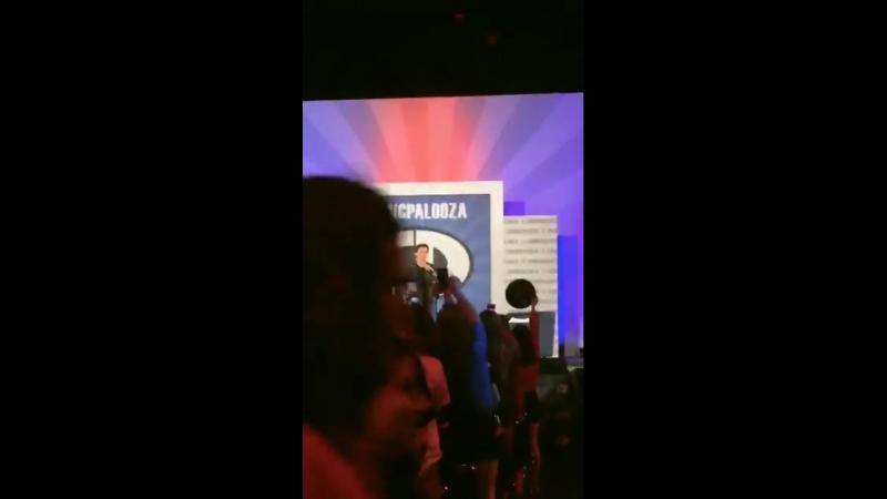 Панель на фестивале Comicpalooza Хьюстон 26 мая 2018 года