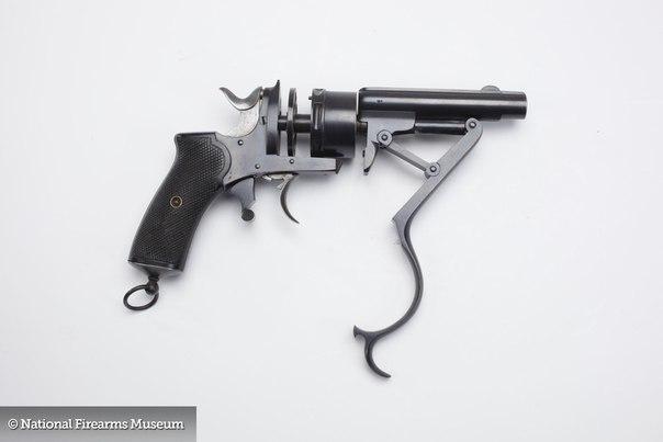Музейное редкое оружие