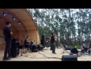 На Рок концерте в парке города Покровск поёт Анна Яковлева. Якутия. 25 августа 2018