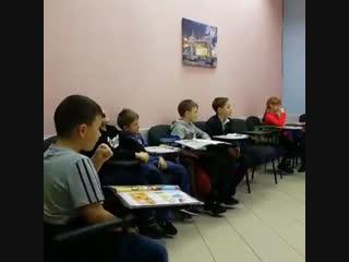 Декабрь. Время учить английский и петь песни в наших школах