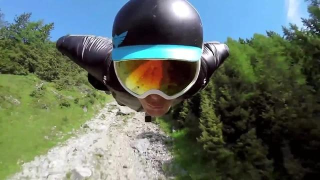 Extreme sport - wingsuit flight