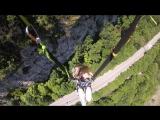 И на последок , мега качели . Падение в ущелье почти на 200 метров . А потом раскачиваешься как маятник гигантских, горных часов