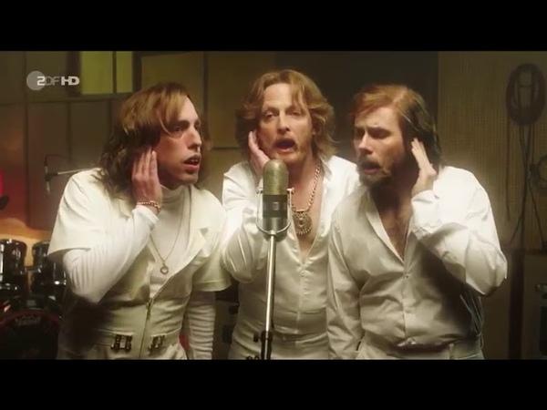 Прикол удар в пах Bee Gees