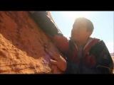 Ultimate Survival Bear Grylls descend a steep hill /Выжить любой ценой Беар Гриллс спуск с горы