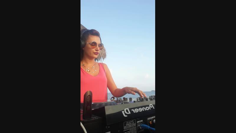 Julia Turano /Preparty /Резидент DHM