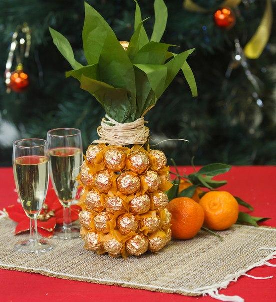 Оригинальная упаковка для шампанского в виде ананаса