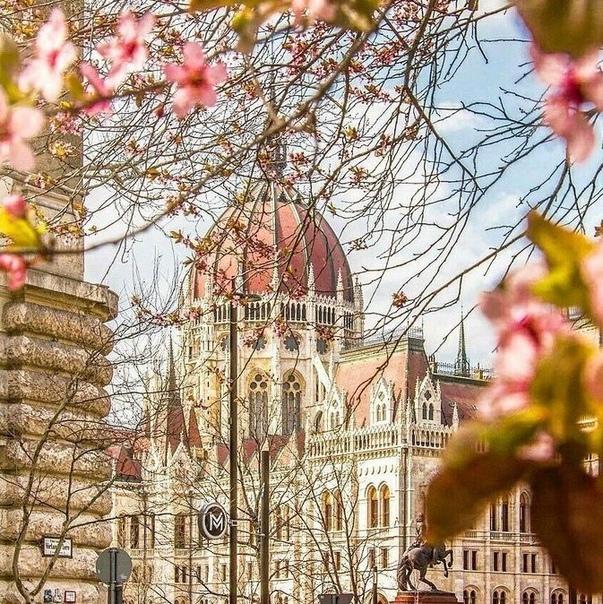 Небольшая подборка прямых рейсов из Москвы в апреле