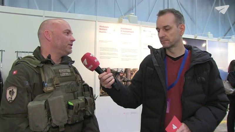 Die Armee präsentiert die neue Uniform und Helikopter-Upgrades
