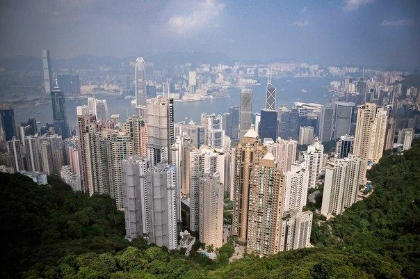 Высокий,высокий Hong Kong.