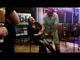 Уличный гипноз: оргазм от прикосновения. Street Hypnotist Mr P and Nicole's 1st Orgasm