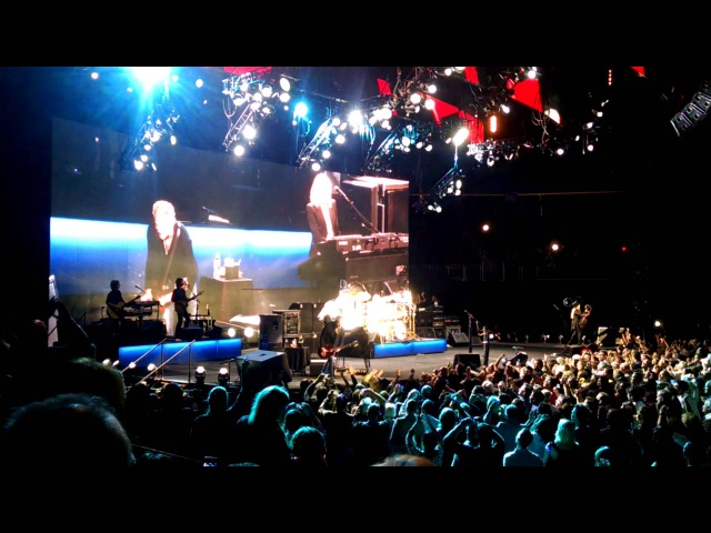 Fleetwood Mac - Go Your Own Way - 10/11/14 Prudential Center
