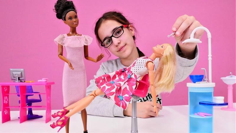 Barbie oyunları. Barbie diş doktoruna gitmek istemiyor.