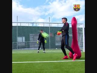 """Как тренируются голкиперы """"Барселоны"""""""