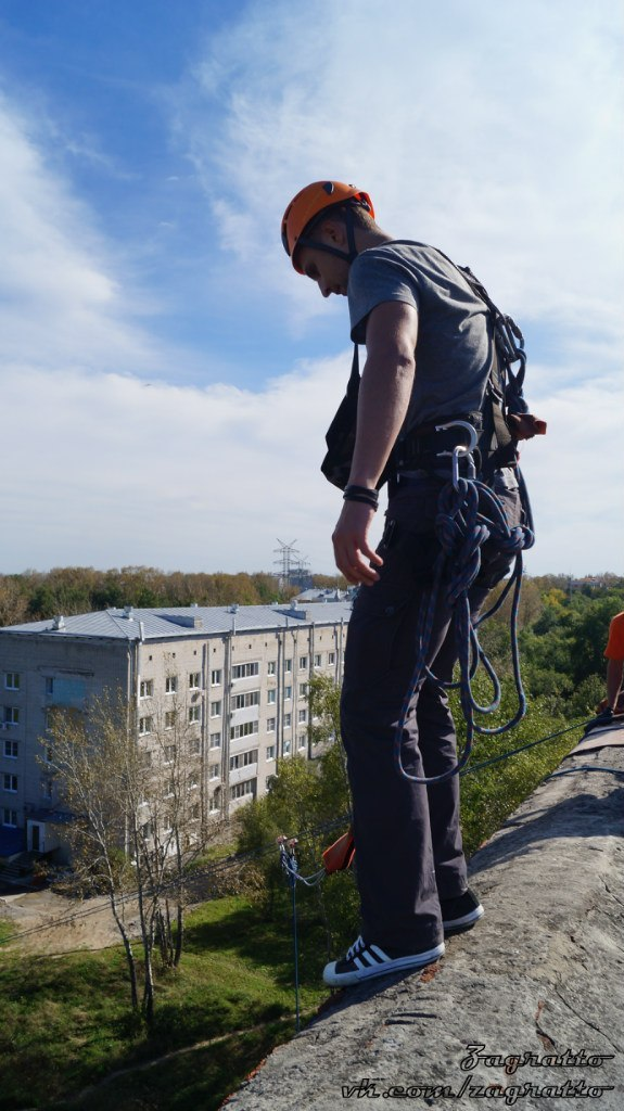 Афиша Хабаровск 22/11 23м Больничка. Прыгаем с крыши!
