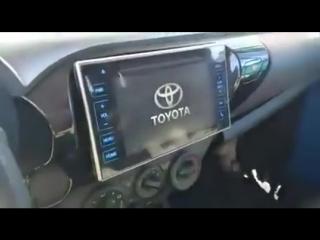 Машина старая, а технологии новые. Видео прикол ()