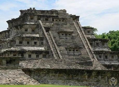 Пирамиды Ниш  руины загадочного города Эль-Таджин. Папантла, Мексика.