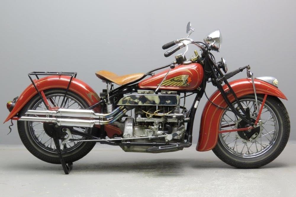 Старинный мотоцикл Indian Model 436 Upside-Down 1936