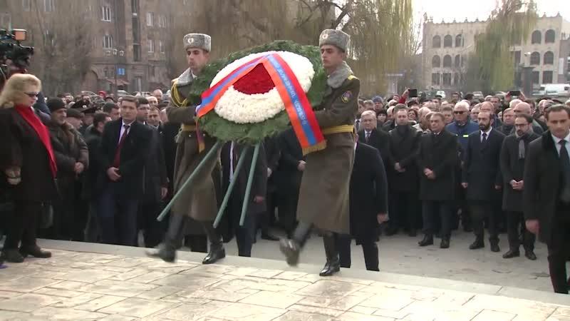 Վարչապետի պաշտոնակատարը մասնակցել է անմեղ զոհերի հիշատակին նվիրված արարողությանը և ծանոթացել Գյումրու պատմական հատվածի վերականգն