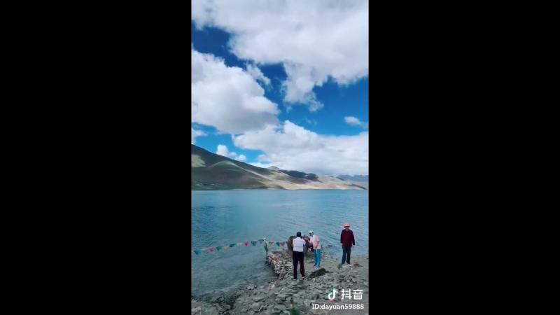 живописное место в Тибете