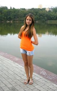 Александра Остапец
