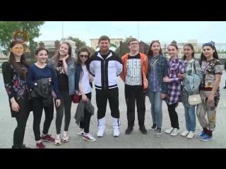 Рамзан Кадыров встретил Дагестанских школьников и подарил им IPHONE X [Нетипичная Махачкала]