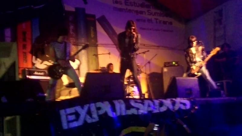 Expulsados - Rock N Roll High School (cover) Prepa Fresno.mp4