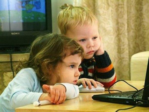 Интересные факты о детях. Английские ученые утверждают, что дети, постоянно имеющие дело с компьютером, гораздо быстрее обучаются математике и в 5 раз быстрее учатся читать и писать.