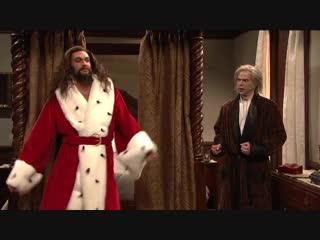 An Extra Christmas Carol - SNL/JasonMomoa