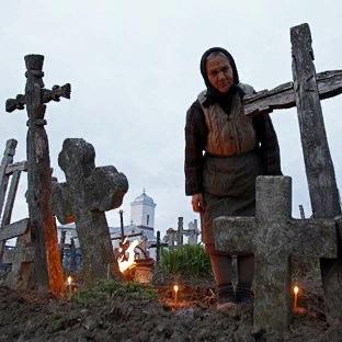 Что нельзя делать на кладбище: основные приметы и их объяснение