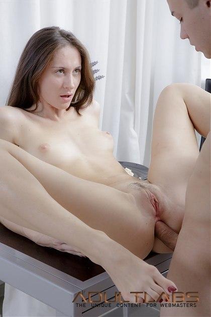 Девочка любит в секс в тугую попочку