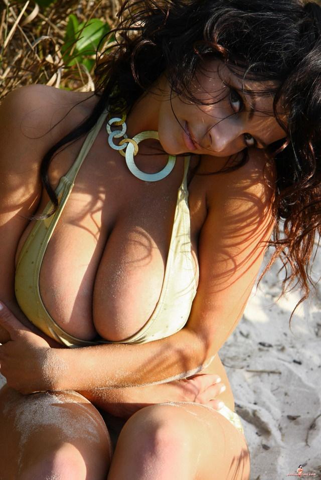 Teen nude webcam masturbation
