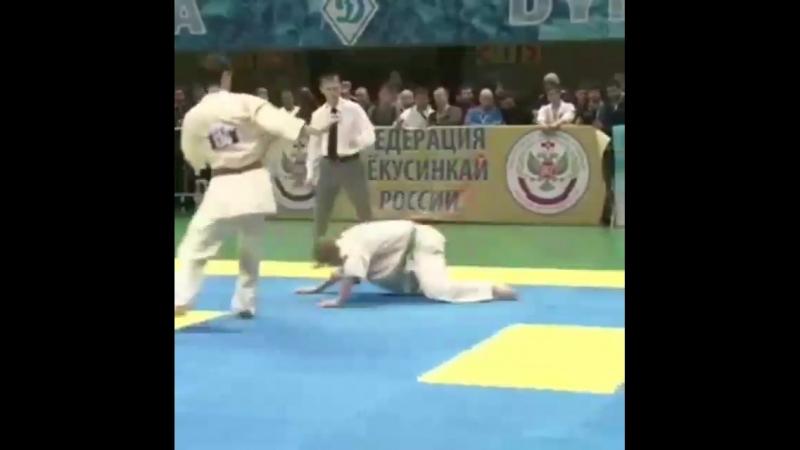 Нокаут Маваше гери дзёдан в Кёкусинкай карате. Подготовка бойца. vk.com/oyama_mas