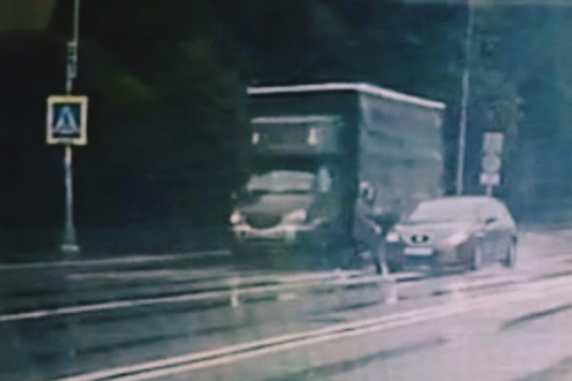 Разыскивается  автомобиль и водитель, скрывшийся  с места ДТП