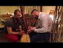Игра на африканской арфе