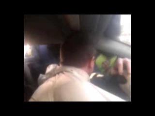 Набережные Челны Сотрудников ГИБДД против пасажира