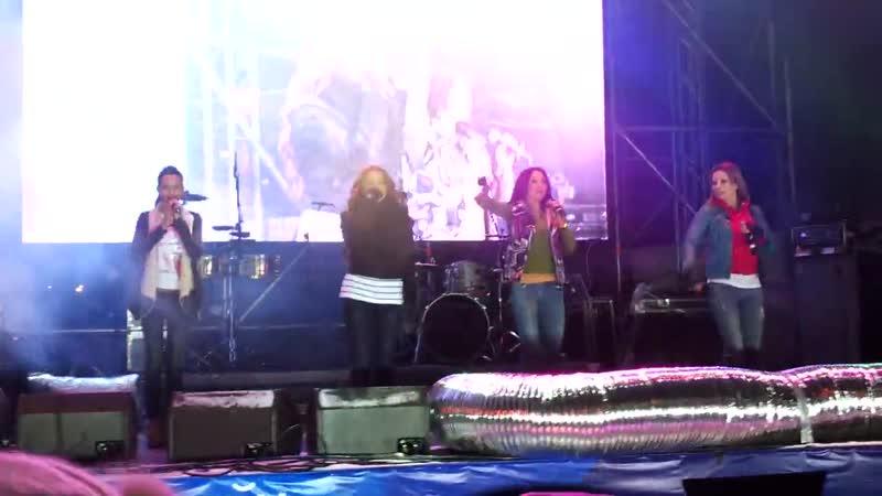 Блестящие - Апельсиновая песня (Открытие ТЦ Калейдоскоп, 08.12.2012)