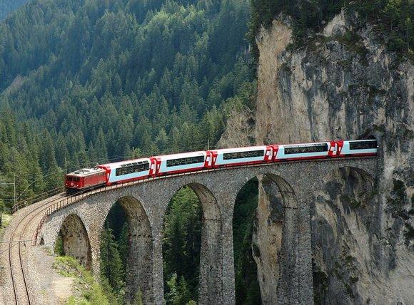 Картинки по запросу фото поезд в Швейцарии