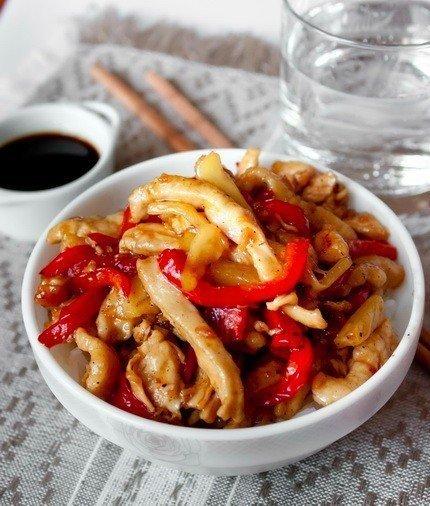Свинина стир-фрай Ингредиенты: Свинина — 300 г Морковь — 2